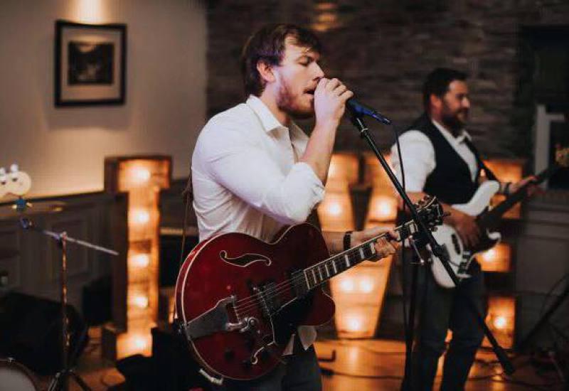 live wedding bands